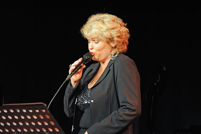 Nicole-Metzger-Konzert-kabelmetal-Schladern-11