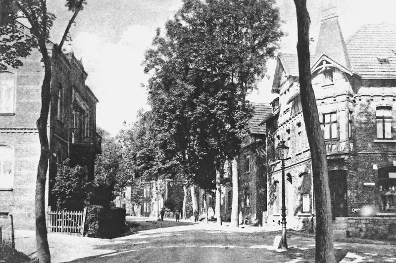 Im Anschluss an die Rathausstraße beginnt die Straße
