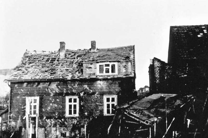 Nach dem Luftangriff 1940 auf Wissen