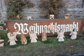 Weihnachtsmarkt im Schlosshof von Schloss Schönstein